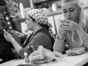 Babycakes-Romero-smartphone-7